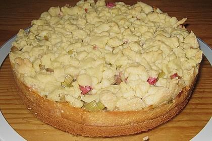 Rhabarberkuchen mit Vanillecreme und Streusel 70