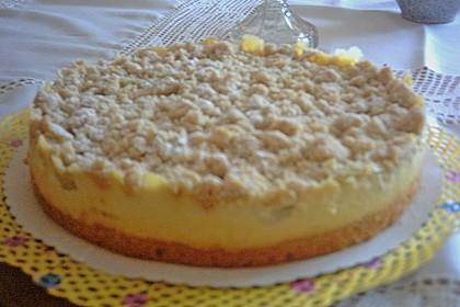 Rhabarberkuchen mit Vanillecreme und Streusel 221