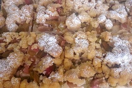 Rhabarberkuchen mit Vanillecreme und Streusel 3