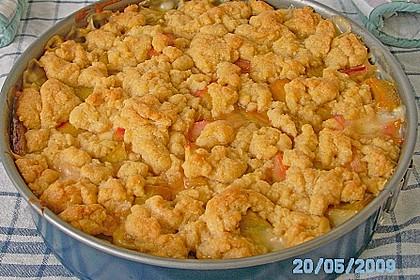 Rhabarberkuchen mit Vanillecreme und Streusel 92