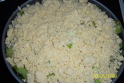 Rhabarberkuchen mit Vanillecreme und Streusel 233