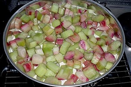 Rhabarberkuchen mit Vanillecreme und Streusel 76