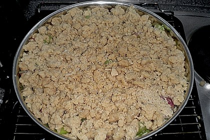 Rhabarberkuchen mit Vanillecreme und Streusel 228