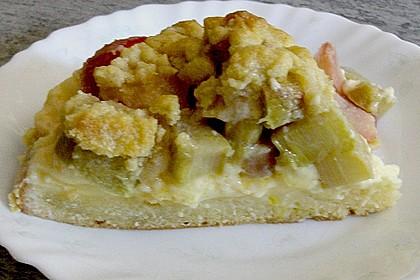 Rhabarberkuchen mit Vanillecreme und Streusel 217