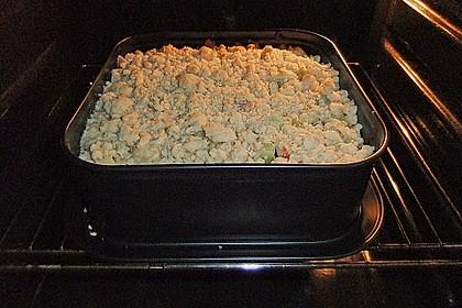 Rhabarberkuchen mit Vanillecreme und Streusel 97
