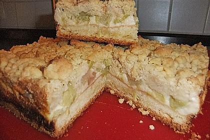 Rhabarberkuchen mit Vanillecreme und Streusel 149