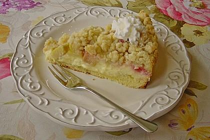 Rhabarberkuchen mit Vanillecreme und Streusel 53