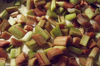 Rhabarberkuchen mit Vanillecreme und Streusel 198