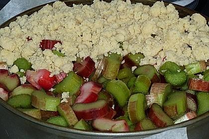 Rhabarberkuchen mit Vanillecreme und Streusel 167