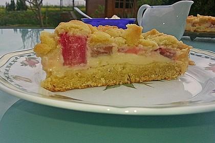 Rhabarberkuchen mit Vanillecreme und Streusel 67
