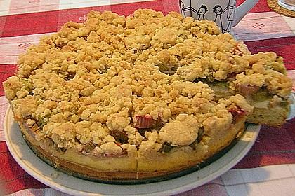 Rhabarberkuchen mit Vanillecreme und Streusel 165