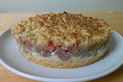 Rhabarberkuchen mit Vanillecreme und Streusel 98