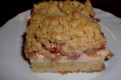 Rhabarberkuchen mit Vanillecreme und Streusel 135