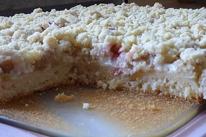 Rhabarberkuchen mit Vanillecreme und Streusel 186