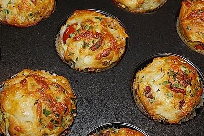 Gefüllte, deftige Muffins mit Tomate und Schinken 2