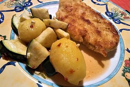 Marinierte Kartoffeln mit Zucchini (Bild)