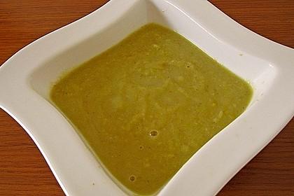 Leichte Zucchinisuppe 12