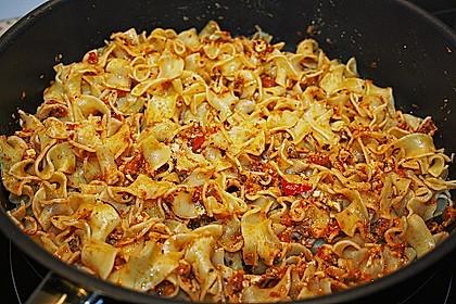 Pasta mit Pesto Rosso und Schafskäse 5