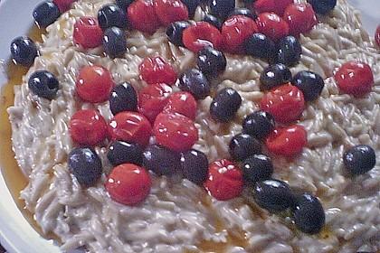 Kritharaki Nudeln mit geschmolzenen Kirschtomaten und Oliven 4