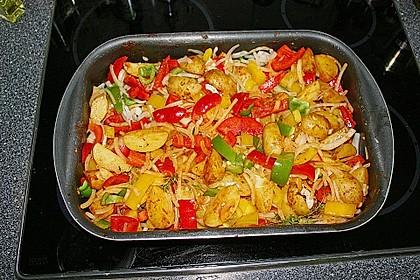 Hähnchenschenkel auf BBQ Kartoffel-Gemüsebett 3