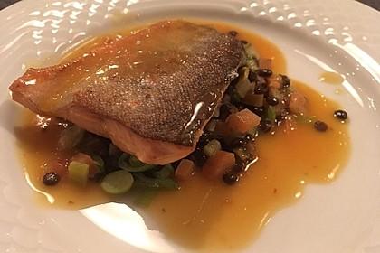 Fischfilet, gebraten auf Linsengemüse 2