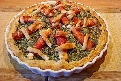 Blätterteigquiche mit Spinat und Parmaschinken-Schafskäse Röllchen
