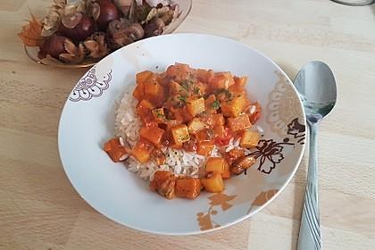 Afrikanischer Kochbananen-Champignon-Topf