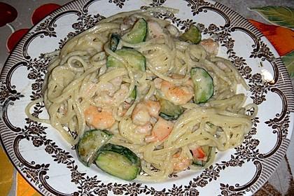 Spaghetti in Zucchini-Shrimps Sahnesauce 39