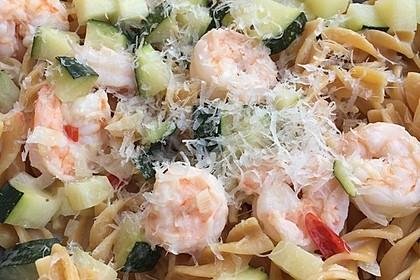 Spaghetti in Zucchini-Shrimps Sahnesauce 41