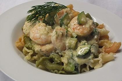Spaghetti in Zucchini-Shrimps Sahnesauce 5