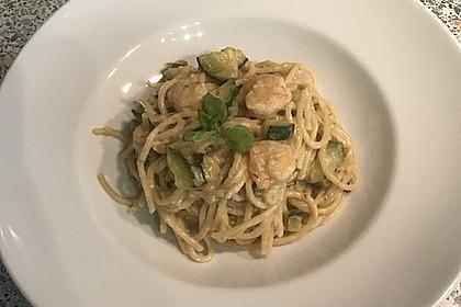 Spaghetti in Zucchini-Shrimps Sahnesauce 4