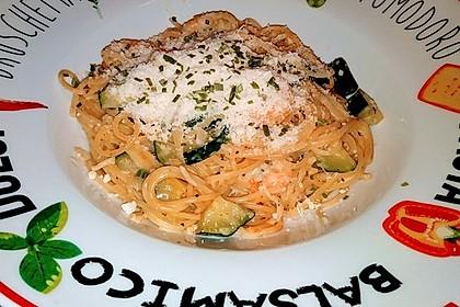Spaghetti in Zucchini-Shrimps Sahnesauce 10