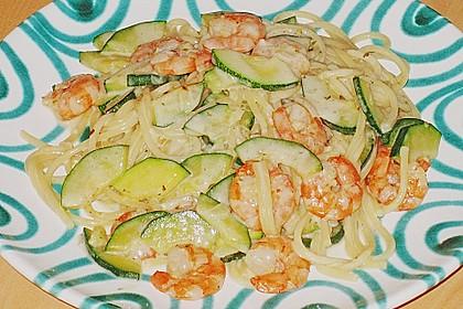 Spaghetti in Zucchini-Shrimps Sahnesauce 7