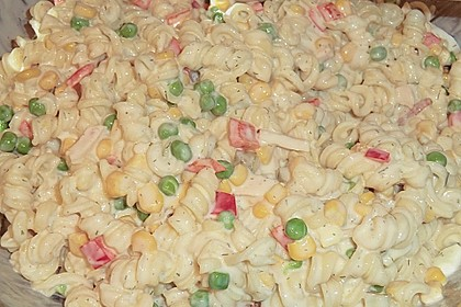 Bunter Nudelsalat grün-rot-gelb 10
