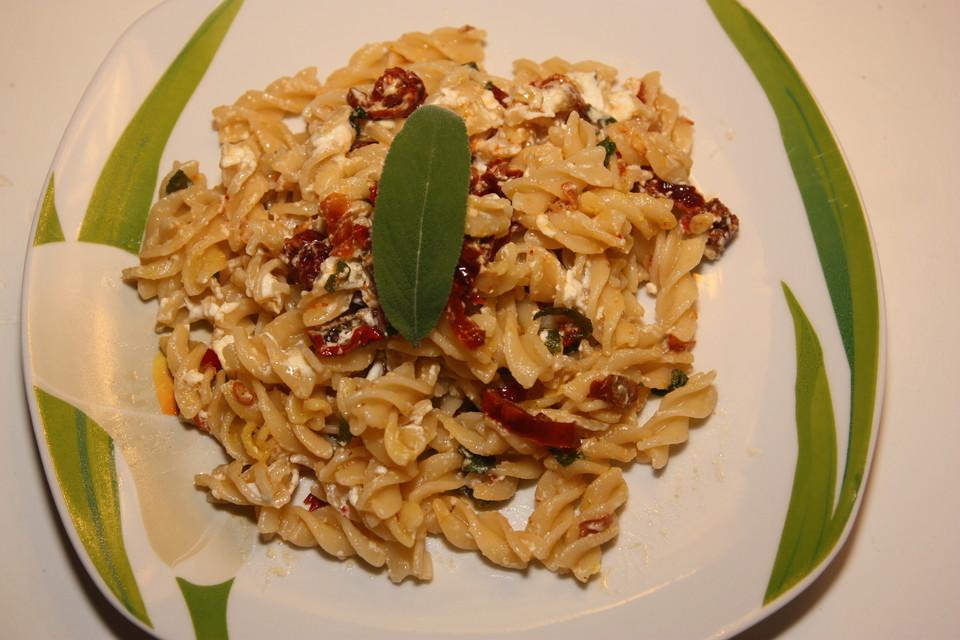 Außergewöhnlich Pasta mit Salbei, getrockneten Tomaten und Feta von Jennings09 @SQ_11