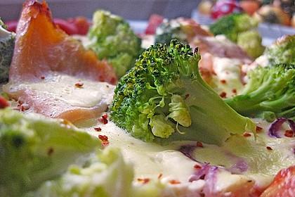 Brokkoliquiche mit Räucherlachs (Bild)