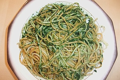 Zweierlei Spaghetti mit Bärlauchpaste (Bild)