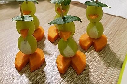 Kleine Pinguine mit Traubenfrack und Karottenfüßchen 15