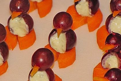 Kleine Pinguine mit Traubenfrack und Karottenfüßchen 26