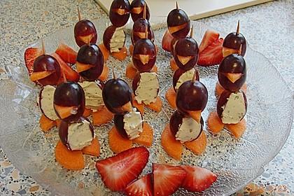 Kleine Pinguine mit Traubenfrack und Karottenfüßchen 62