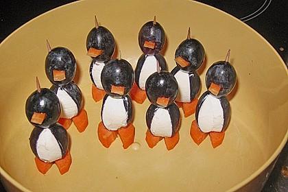 Kleine Pinguine mit Traubenfrack und Karottenfüßchen 37