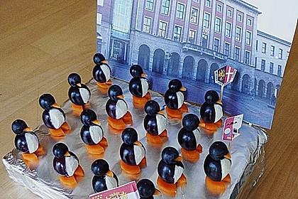 Kleine Pinguine mit Traubenfrack und Karottenfüßchen 6