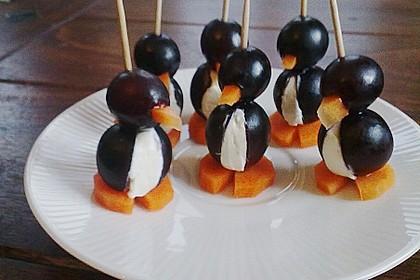 Kleine Pinguine mit Traubenfrack und Karottenfüßchen 39