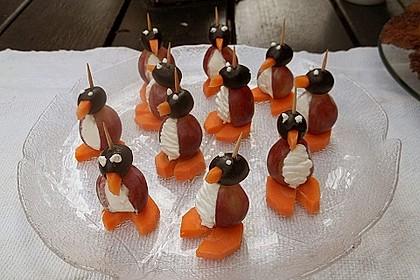 Kleine Pinguine mit Traubenfrack und Karottenfüßchen 45