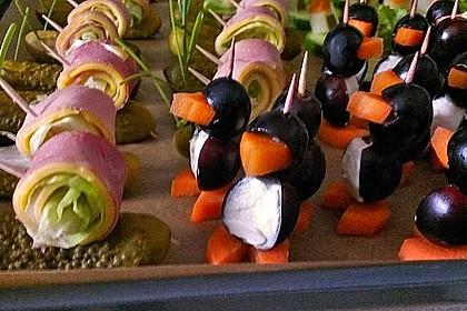 Kleine Pinguine mit Traubenfrack und Karottenfüßchen 41