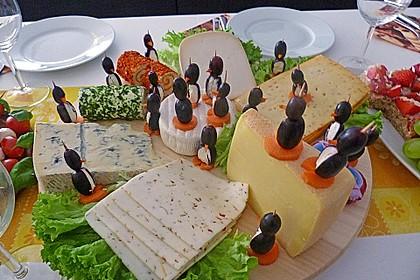 Kleine Pinguine mit Traubenfrack und Karottenfüßchen 1