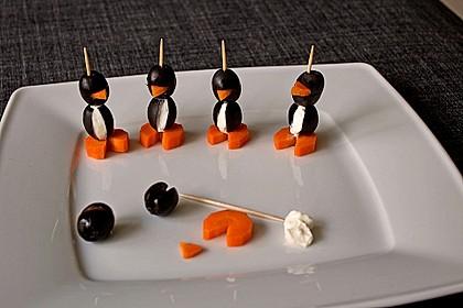 Kleine Pinguine mit Traubenfrack und Karottenfüßchen 24