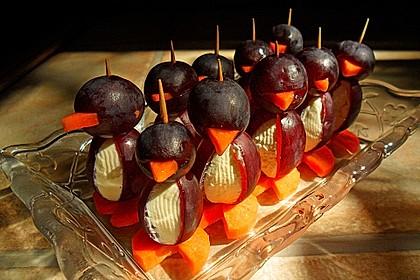 Kleine Pinguine mit Traubenfrack und Karottenfüßchen 33