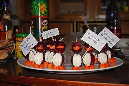 Kleine Pinguine mit Traubenfrack und Karottenfüßchen 4
