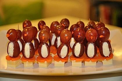 Kleine Pinguine mit Traubenfrack und Karottenfüßchen 35